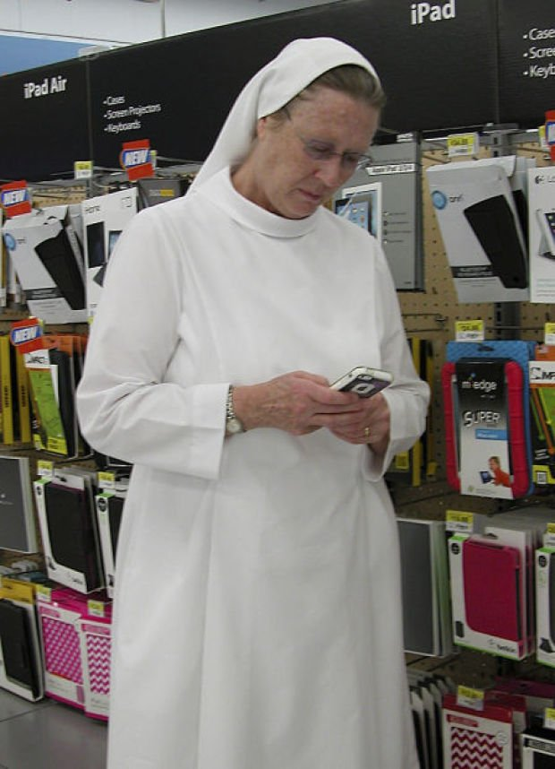 Nebraska's 'tweeting nuns' take God to cyberspace : Lincoln, NE ...
