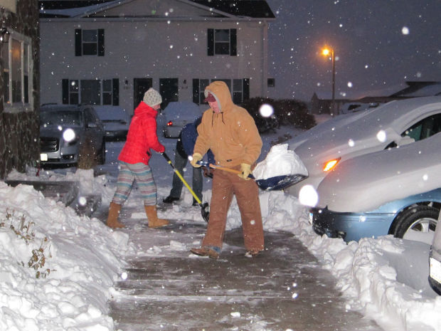 Western Nebraska residents dig out from snow | Nebraska ...