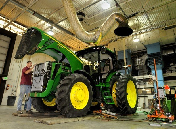 Tractor Pto Dynamometer : Tractor lab puts deere s upgrade to the test local