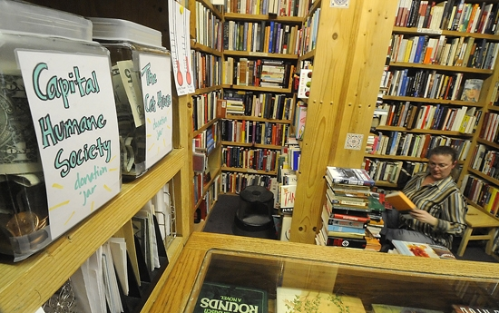 Fundraising For A New Bookstore Cat Local Journalstar Com