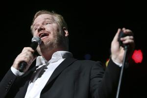 Review: Gaffigan proves Pinewood can host comedy