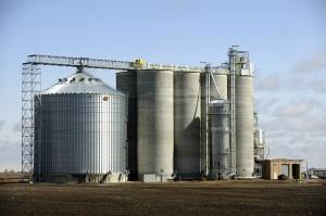 Collapsed grain silo rebuilt, elevator opens for harvest