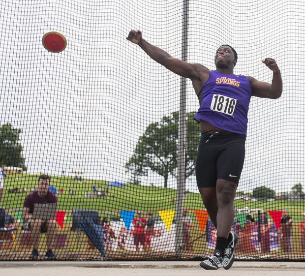Husker recruit Carlos Davis delivers again at state meet