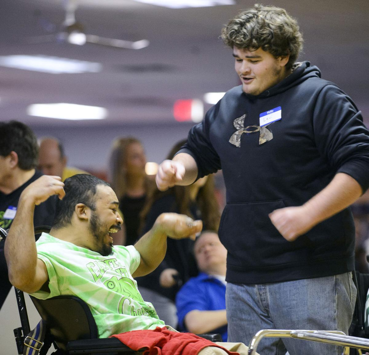 Volunteering In Lincoln Ne: Special Olympians Go Bowling