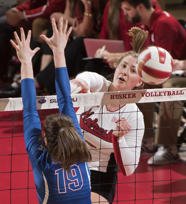 Volleyball: Albrecht leads Huskers to season-opening sweep