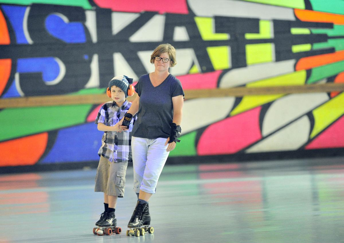 Roller skating omaha - Skate Zone