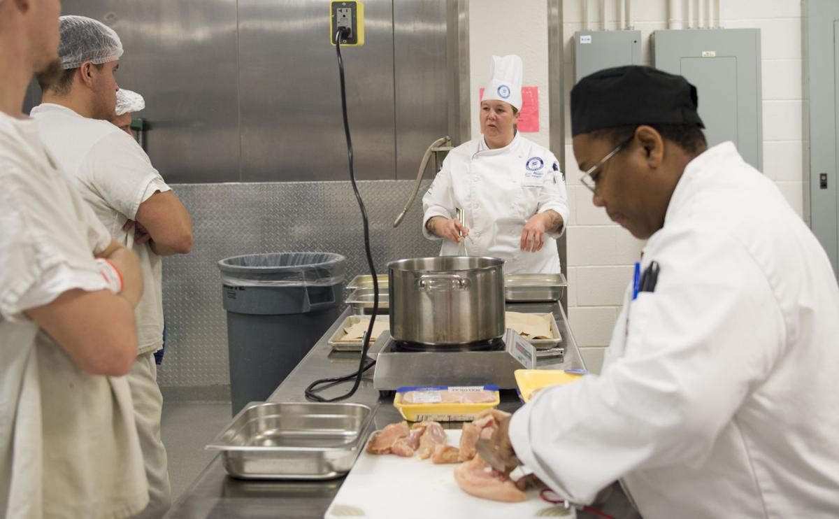 scc teaching county jail inmates cooking skills 911 news cooking in jail
