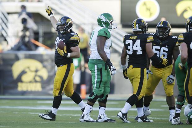 Nebraska-born Hawkeyes relish return to Memorial Stadium