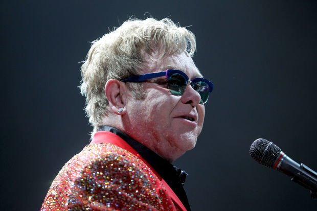 Review Elton John Brings Exhilarating Rock N Roll To