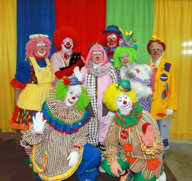 Clown Alley The 402 411 Journalstar Com