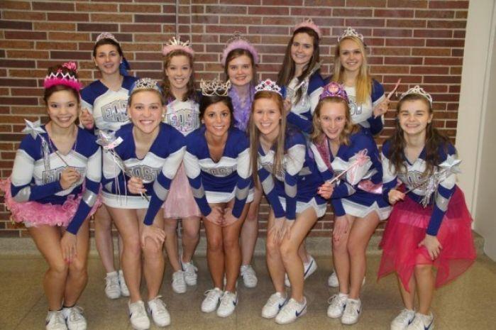 Lincoln East High School Varsity Cheerleaders Nextra