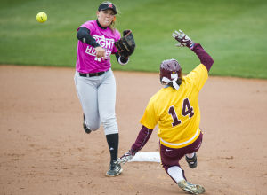 Photos: Minnesota vs. Nebraska softball, 3.29.15