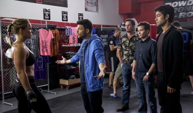 Review: 'Entourage' has nothing new to say about Hollywood