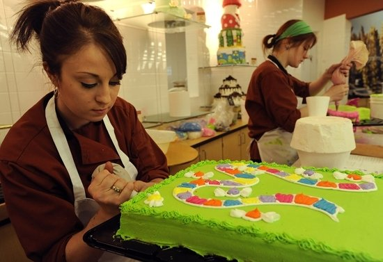 Lincoln cake decorator wins Hy-Vee competition Local ...