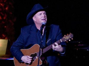 Garth Brooks selling quickly; more shows added