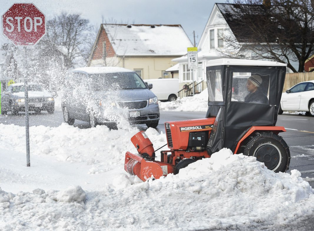 Environment Canada issues storm, snow warnings for parts of Eastern Canada