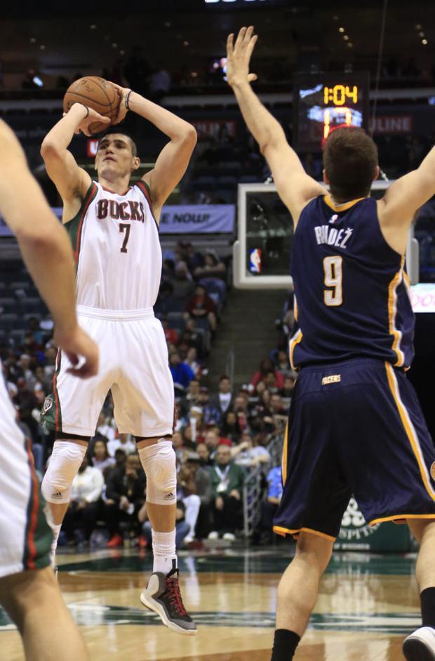 Bucks bounce back to .500