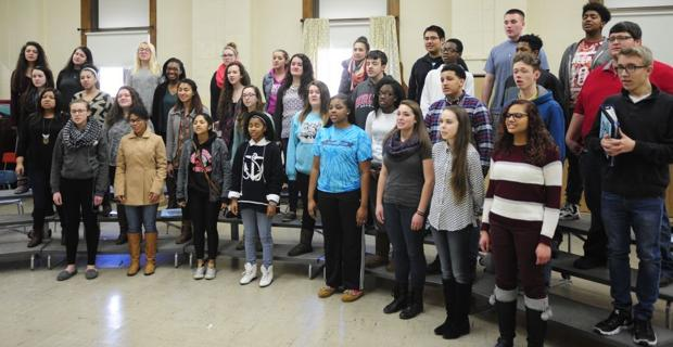 Horlick Chorale's singing valentines tradition marks 10th anniversary