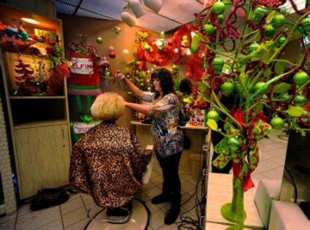 Decorating Ideas > PHOTO The Holiday Look ~ 064703_Christmas Decoration Ideas Salon