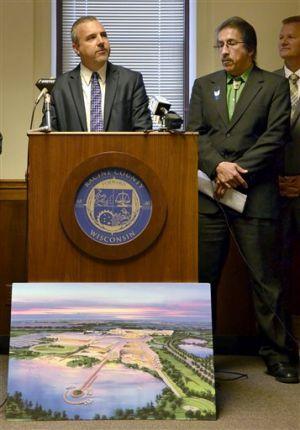 County executive endorses casino project