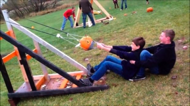 North Cape Eighth Graders Build Life Size Marshmallow