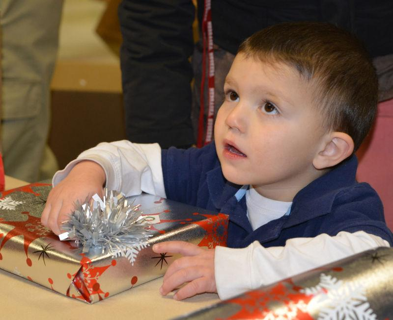 Do you know any Christams programs for kids like Toys for tots and goodfellow?