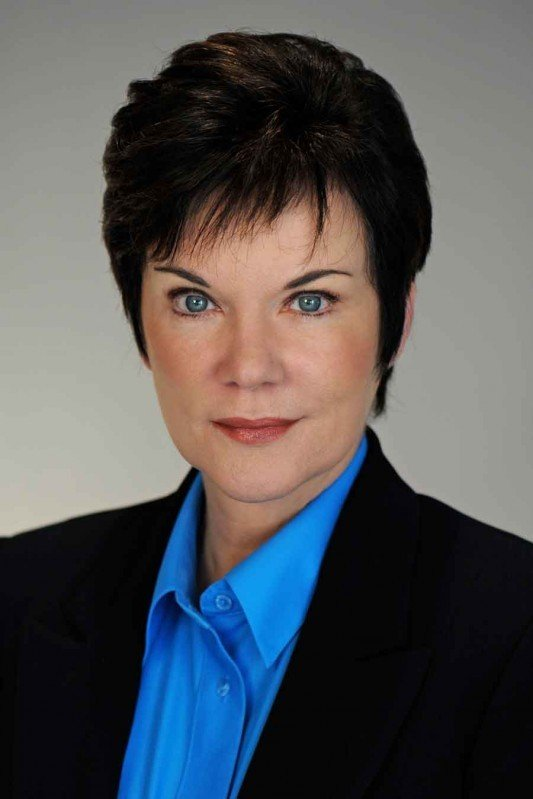 delong women Candice delong is a former fbi profiler and internationally  my life on the front lines as a woman in the fbi was an amazon bestseller and the basis of a made .