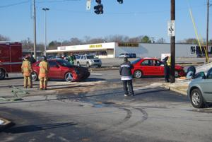 Fort Campbell Boulevard accident disrupts traffic