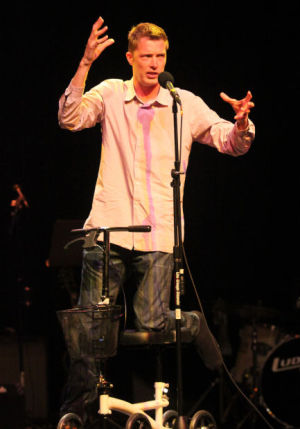 Mauss jumps back in with local comedy shows