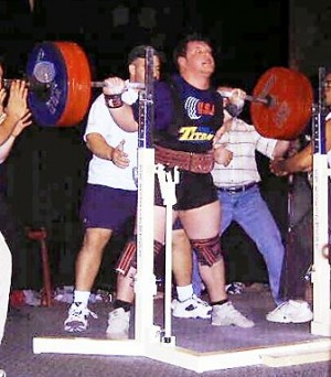 Wage smashes records at national powerlifting meet