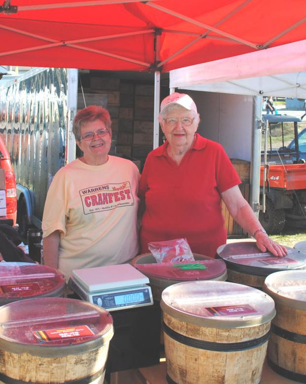 'The Nut Lady' marks her 17th cranberry festival