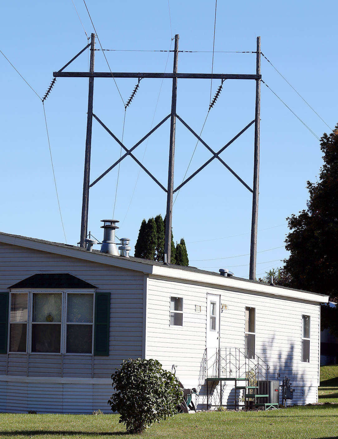 H Frame Transmission Power Pole : Residents worried by plans to rebuild transmission line
