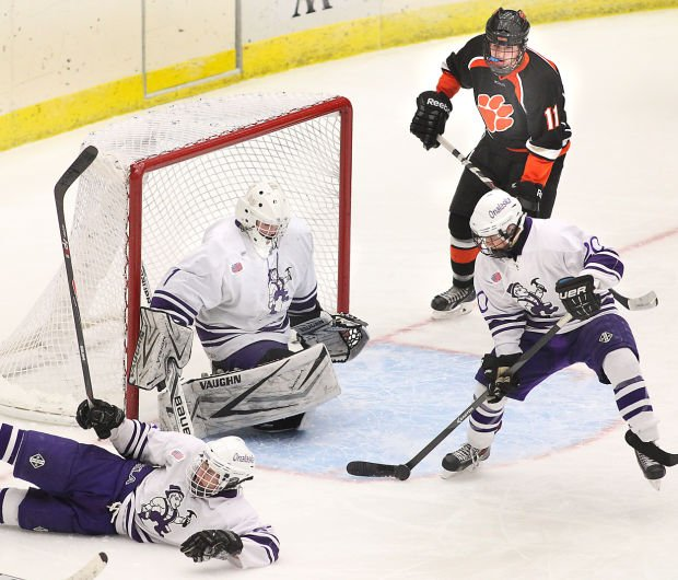 COMMENTARY: Onalaska boys, girls put region on state hockey map
