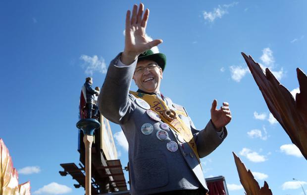 Onalaska's Chuck Roth gets Oktoberfest honor