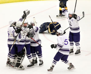 Onalaska boys hockey team wins WIAA state semifinal