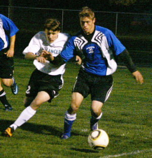Boys fall to good teams, top Coulee Christian