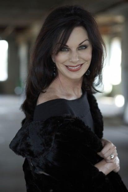 La Crosse News >> Pianist Lorie Line faces foreclosure on Minnesota mansion ...