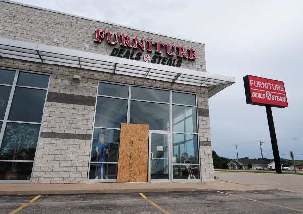 Furniture Chain Closes Complaints Flood In News