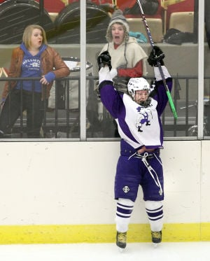 Onalaska co-op girls hockey team advances to state finals