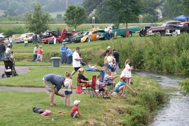 Trout Fest lines banks of Coon Creek