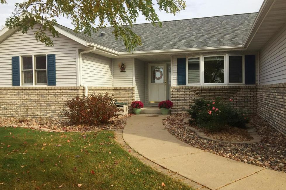 25 homes recently listed in the la crosse area home and for Garden ranch ymca pool