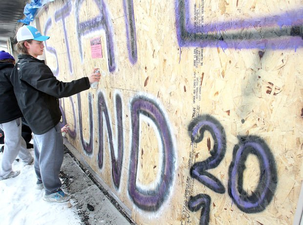 Onalaska hockey team's graffiti eases family's pain