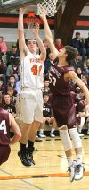 Blackhawk boys hoops team defeated in close games