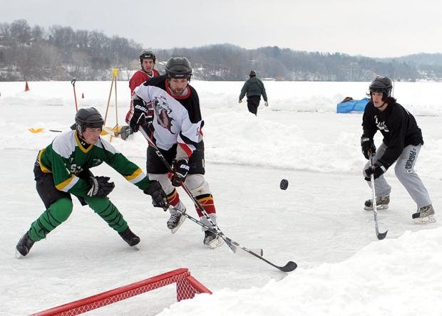 Pond hockey returns for a third year this weekend