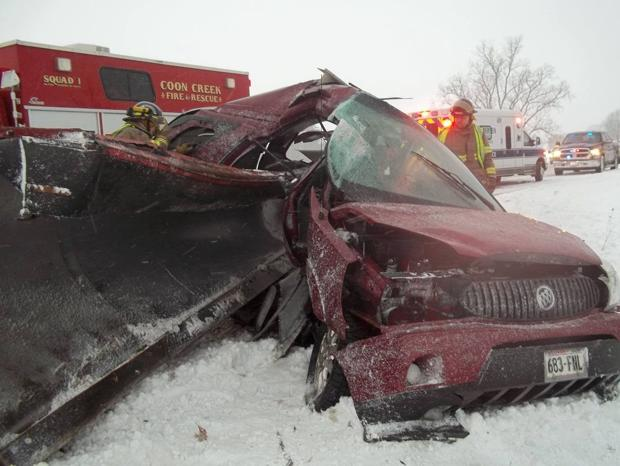 Rural Viroqua man in critical condition after colliding with snow plow