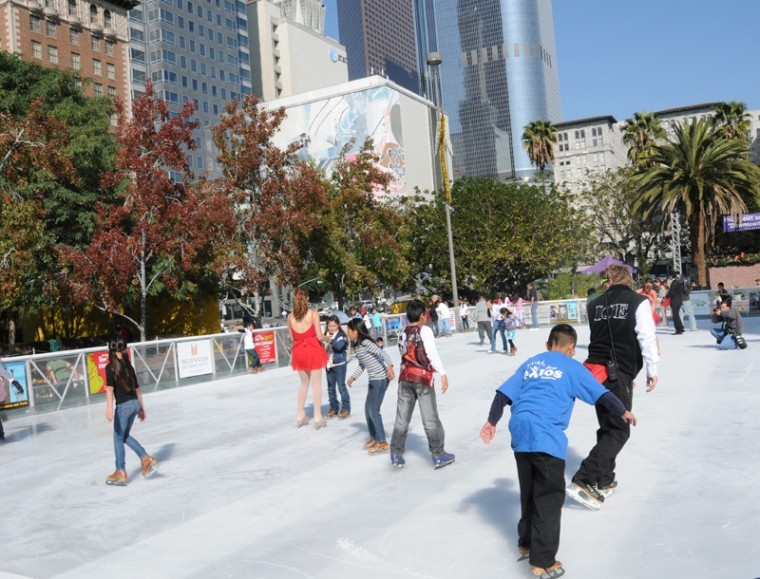 ice rink returns to pershing square news. Black Bedroom Furniture Sets. Home Design Ideas