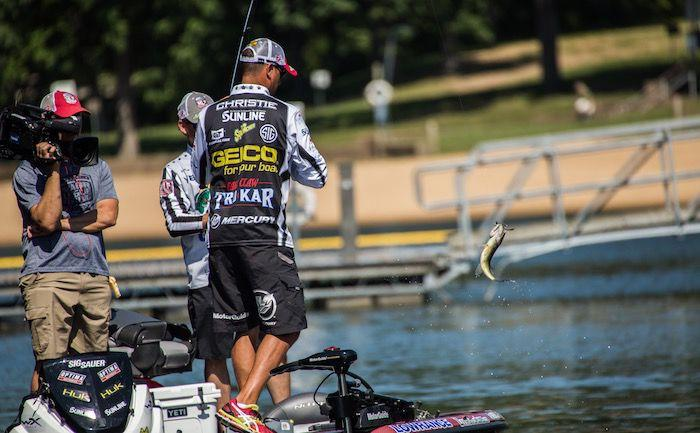 Major league fishing lands lunkers at lake of the ozarks for Major league fishing com