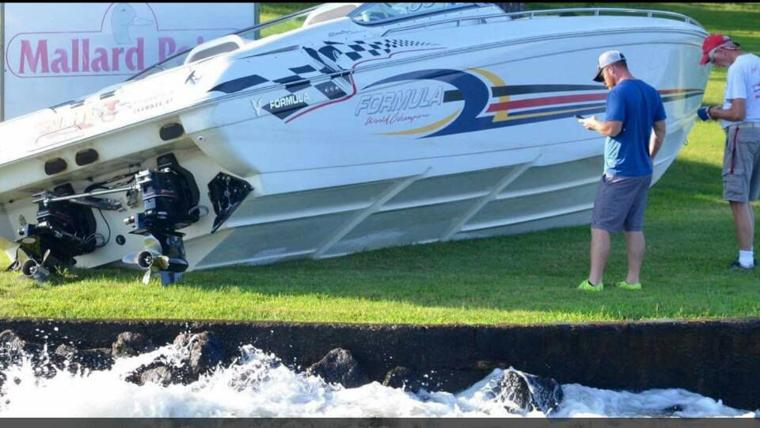 Boat crashes into stevens point after bar close lakeexpo for Courtesy motors stevens point