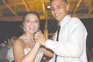 Memories 'Frozen in Time' at ECHS 2015 prom
