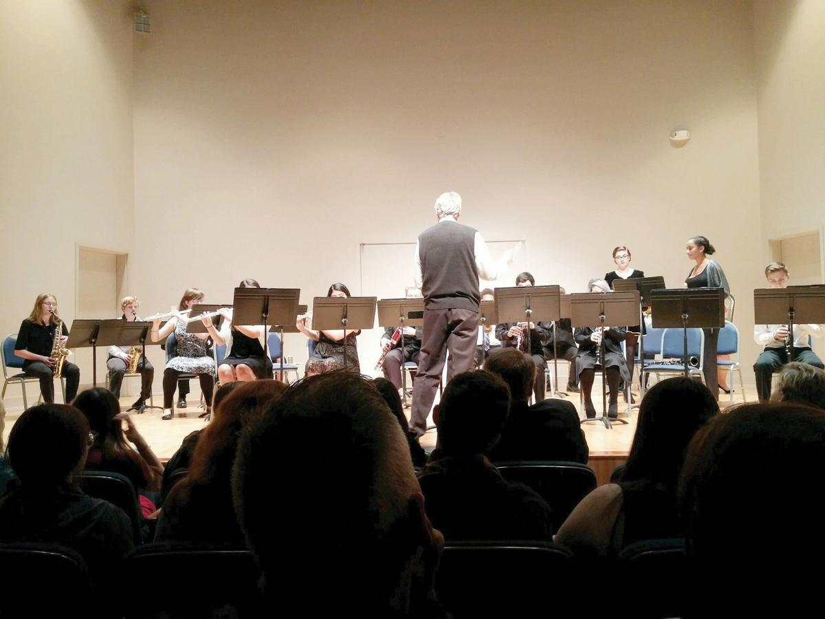 LSMSA mixed ensemble and chorale present holiday concert